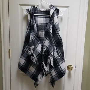 Altar'd State Lowell hooded plaid vest - small
